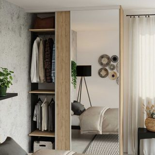 Dressing sur mesure avec portes coulissantes miroir couleur taupe de style naturel et rustique
