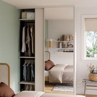 Dressing sur mesure avec portes coulissantes miroir couleur blanc