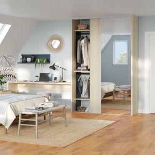 Dressing sur mesure avec portes coulissantes miroir couleur bois clair