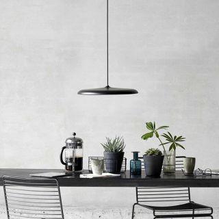 Suspension Artist 40 éclairage LED intégré métal noir et verre opalin