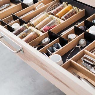 Range-couverts bois modulable avec rangement épices 9 éléments pour tiroir Schmidt